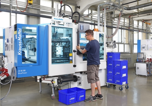 Injection molding process timed with pinpoint accuracy